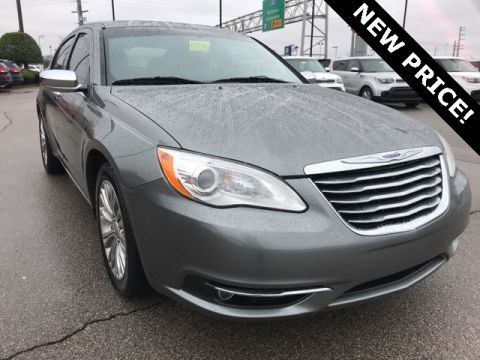 Pre-Owned 2012 Chrysler 200 Limited FWD 4D Sedan