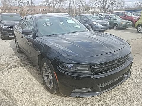 Pre-Owned 2017 Dodge Charger SXT RWD 4D Sedan